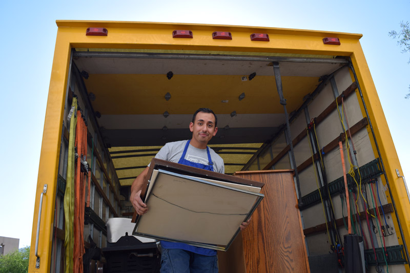 Need help with your large donation? That HabiStore offers free donation pickup!